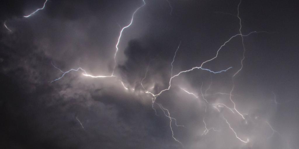 in cloud lightning twitter